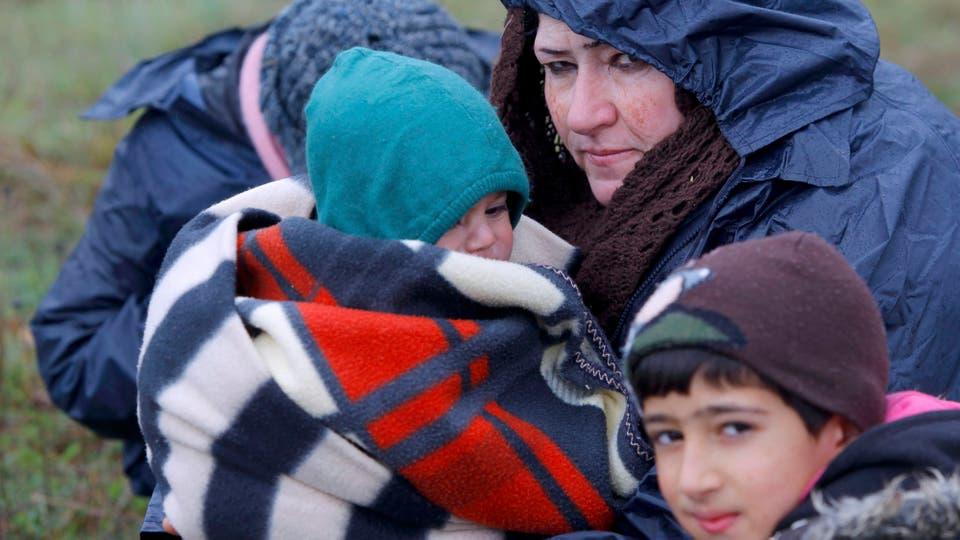 Muchos de los refugiados son chicos y bebés en frágiles condiciones de salud. En el campamento de Idomeni, Grecia, ya se detectaron varios casos de hepatitis A. Foto: Reuters