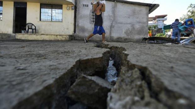 Dos terremtos mortales sacudieron Japón y Ecuador con dos días de diferencia.