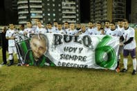 En una noche emotiva, Chicago y Ferro recordaron a Rodrigo Espíndola