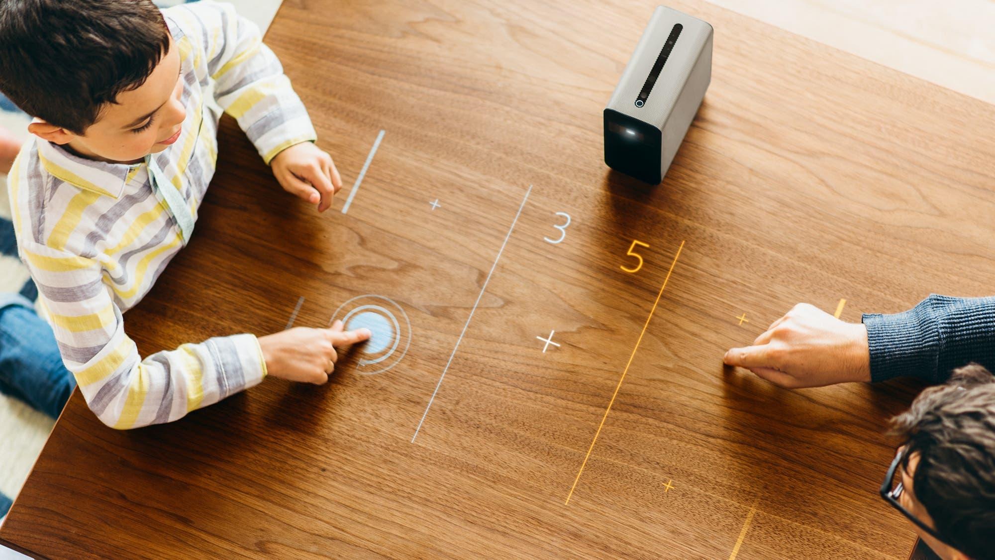 Xperia Touch: Sony presentó un proyector que transforma cualquier pared o mesa en una pantalla táctil