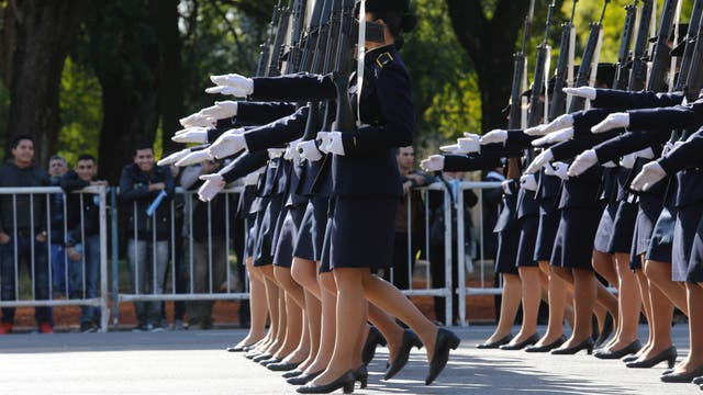 Desfile militar en Palermo