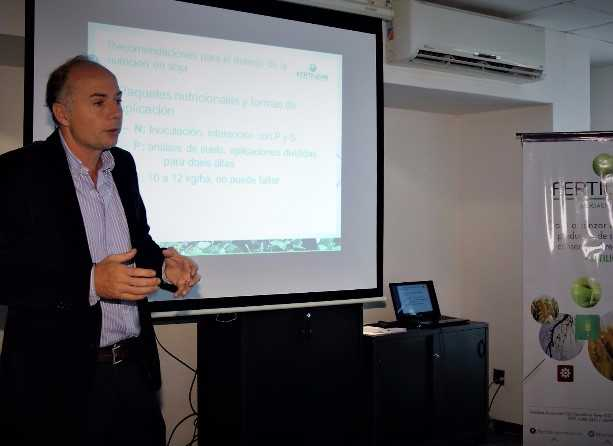 Jorge Bassi, de Fertilizar, en la jornada que convocó la entidad para hablar de fertilización en soja