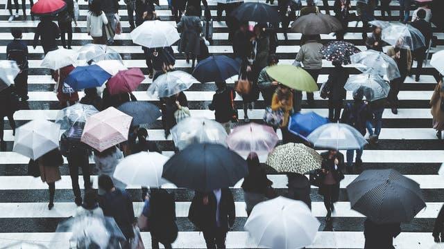 El hecho de las ciudades estén interconectadas implica que es cada vez más difícil perderse entre la muchedumbre.
