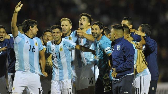 Los tucumanos festejaron con la camiseta de la selección