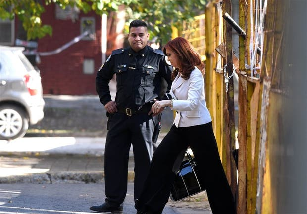 Cristina Kirchner, antes de declarar ayer