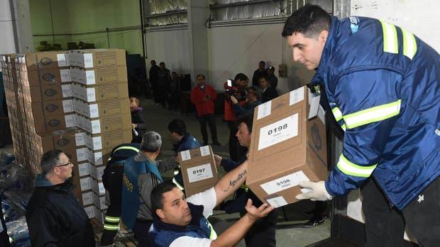 Las urnas ya se distribuyen en los grandes centros urbanos del país