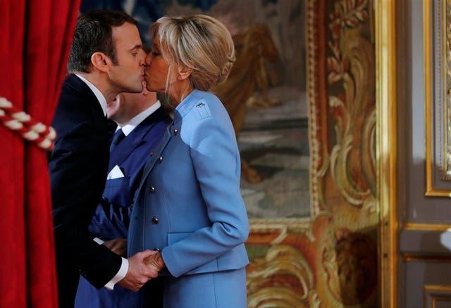 El saludo de la primera dama, Brigitte Trogneux