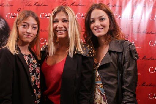 Oriana Sabatini, junto a su hermana y su madre, fue a ver la obra Camila, donde está su nuevo galán de la TV, Peter Lanzani.. Foto: Gentileza prensa Camila