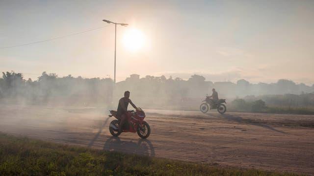 Un imagen cotidiana es el polvo en el aire consecuencia de la tierra reseca. Foto: LA NACION / Santiago Filipuzzi