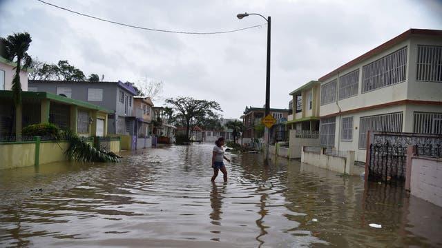 Barrio Puerto Nuevo, San Juan, Puerto Rico: el huracán arrancó ventanas y techos, convirtió calles en ríos y destrozó cientos de viviendas en toda la isla
