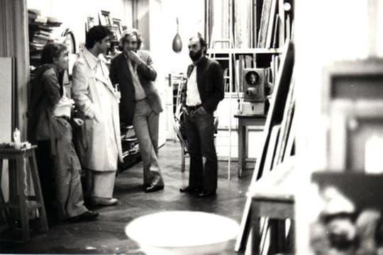 Caloi en el estudio de Carlos Alonso, junto a Kras y Fontanarrosa. Foto: www.caloi.com.ar