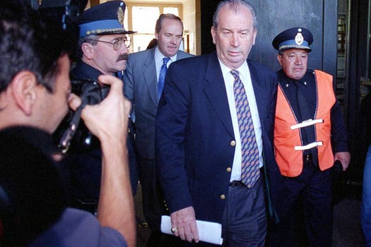 Luego de una reunión con Perrota por la violencia en el fútbol en diciembre del 98. Foto: Archivo