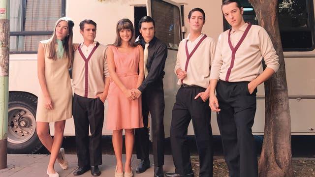 Gaia Hebrero, Gastón Soffritti, Calu Rivero, Agustín Sulivan, Julián Kartun y Toto Rovito