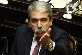 El senador Aníbal Fernández criticó el referéndum de Malvinas