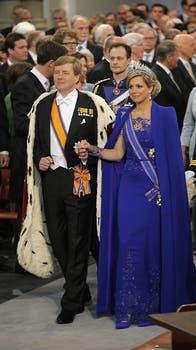 El flamante monarca, acompañado por Máxima, protagoniza la ceremonia de investidura frente a la presencia de delegaciones internacionales. Foto: AP