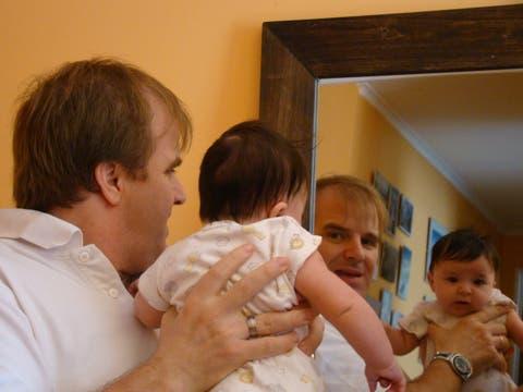 Martín Arregui con Ciara cuando recién había nacido. Foto: Gentileza Martín Arregui