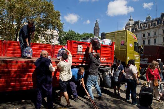 Los centros de evacuación asisten a los afectados. Foto: LA NACION / Anïbal Greco