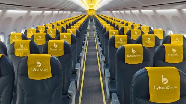 Flybondi comenzó con la firma de contratos y tendrá una flota de 10 aeronaves en 2018