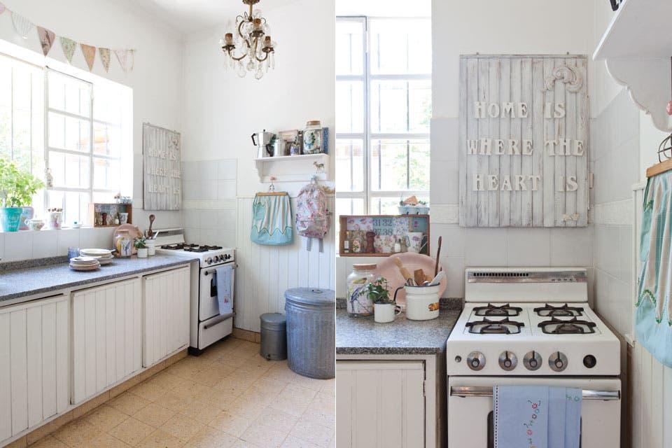 La base de esta cocina es la original de la construcción. Para darle vida se utilizaron textiles y accesorios que aportan color y frescura