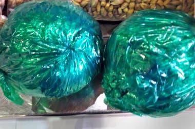 Bolsas con hojas de coca que fueron incautadas