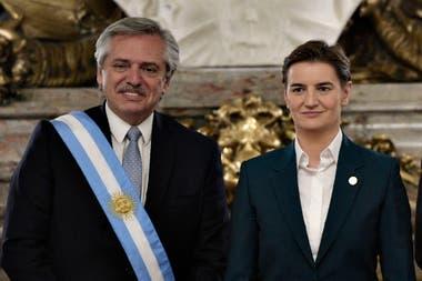 Fernández y la presidenta de Serbia, Ana Brnabic