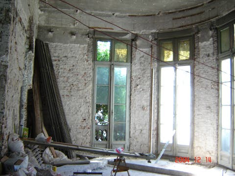 Así se encontraba el distribuidor de la pintoresca casa antes del trabajo de los expertos. Foto: LA NACION LINE