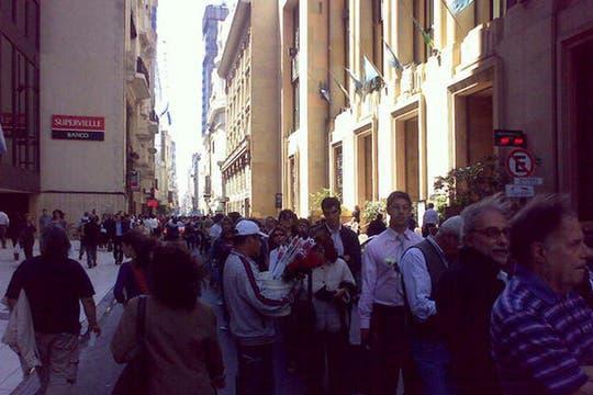 Más cola para entrar a la Rosada. Foto: lanacion.com / @msolamaya