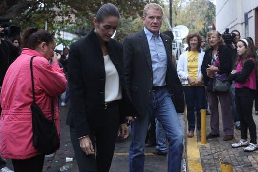 De Narváez llega a la despedida del escritor en el Club. Foto: LA NACION / Soledad Aznarez