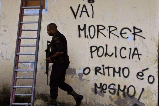 En Río de Janeiro más de 1500 efectivos desalojaron a traficantes de drogas; buscan garantizar la seguridad de turistas durante el mundial y las Olimpiadas. Foto: EFE
