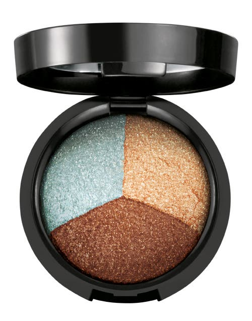 Sombra Trio alto brillo color 1 ($150, natura).