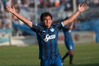 Con tres goles de la Pulga Rodríguez, Atlético goleó a Guaraní y su ilusión crece