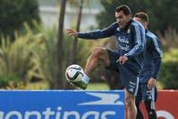 Carlos Tevez, un N° 9 que no se siente cómodo y que lleva más de 4 años sin goles en la selección