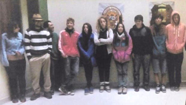 Once turistas argentinos fueron detenidos tras vandalizar un muro inca y colonial en la ciudad de Cusco