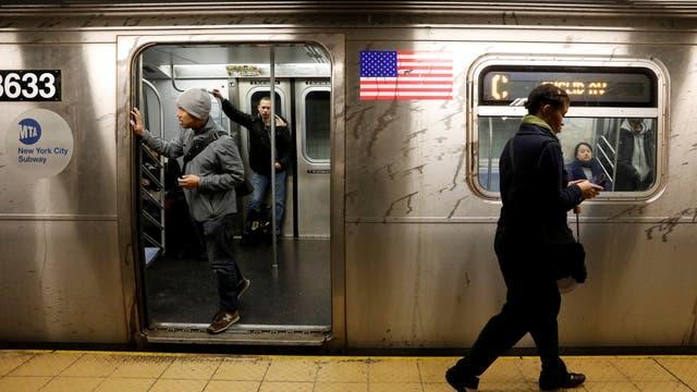 """Nueva York: quieren arreglar el subte con subas de impuestos al """"1%"""""""