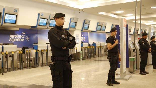 La PSA custodiaba los mostradores de Aerolíneas ayer