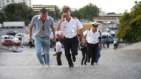 El vocero de la Armada Argentina, capitán de navío Enrique Balbi, ingresa al edificio Libertad, sede de esa fuerza, para posteriormente dar un informe sobre el submarino San Juan.cuya última posición fue reportada hace una semana