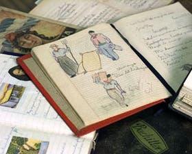 La base del trabajo fueron los cuadernos de alumnos primarios de distintas décadas