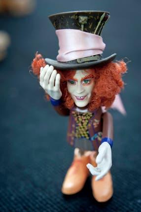 El Sombrerero Loco. En el film de Tim Burton, Johnny Depp interpretó a este delirante personaje. El muñeco es una edición especial que se vendía junto con un llavero con la figura de Alicia. Foto: Alejandro Guyot