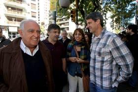 De izquierda a derecha, los diputados Ricardo Gil Lavedra, Sergio Abrevaya, Victoria Donda y Alfonso Prat Gay participaron hoy en la recolección de firmas contra la reforma judicial