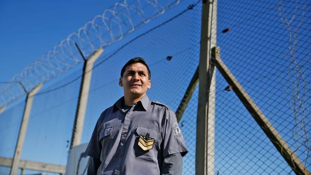 Será el primer agente penitenciario en recibirse de sociólogo tras estudiar en la cárcel, junto a los presos