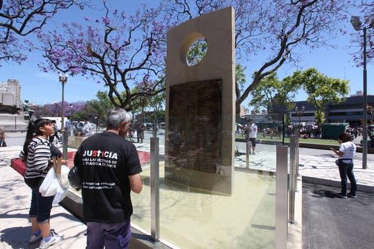 Inauguran un monumento a las víctimas de la tragedia de Once. Foto: LA NACION / Ricardo Pristupluk