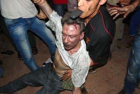 El embajador, minutos después del ataque al consulado