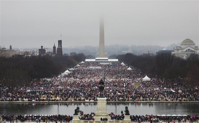 La marcha cubrió ayer el corazón de la capital con manifestantes que llegaron de distintos estados del país