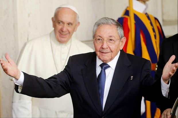 Castro y una distendida charla de 55 minutos con el Papa