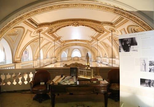 En el espacio Ayerza en el balcón principal del Museo, se rinde homenaje al arquitecto que construyó el palacio en 1931..