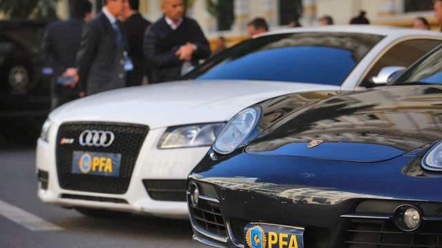 Se secuestraron vehículos marca Audi, Mercedez Benz, Porsche, camionetas Hummer y motos Harley-Davidson