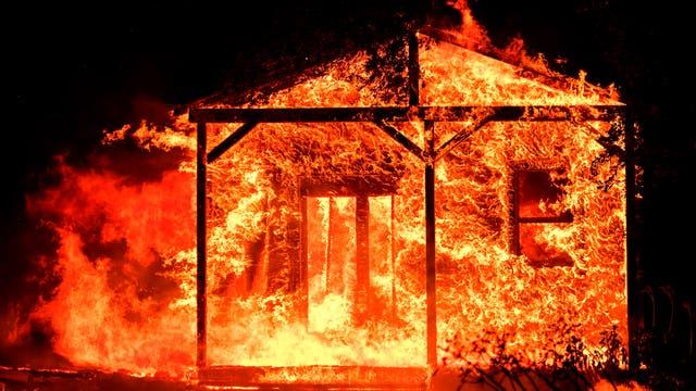 El gobernador de este estado norteamericano, Jerry Brown, declaró el estado de emergencia en los ocho condados más afectados