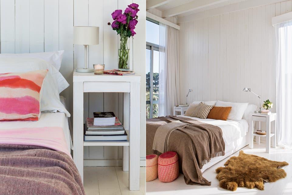 La cama (Via Sonno) tiene sábanas blancas (Home Collection Punta del Este) y almohadones en tonos neutros (De Arcos House&Deco). En las mesitas de pino (decoradora Vicky Mulet), jarrón con jazmines (Casa Castilla), lámparas 'Tolomeo' (Darko) y agenda rosa (La Esteña).  Foto:Living /Gentileza Enrique Menossi