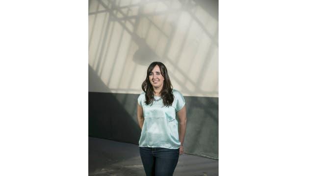 """""""Algo muy positivo de los coding schools -dice Dolores María Soaje Pinto (Der.)- es que a las personas les gusta compartir su conocimiento"""""""