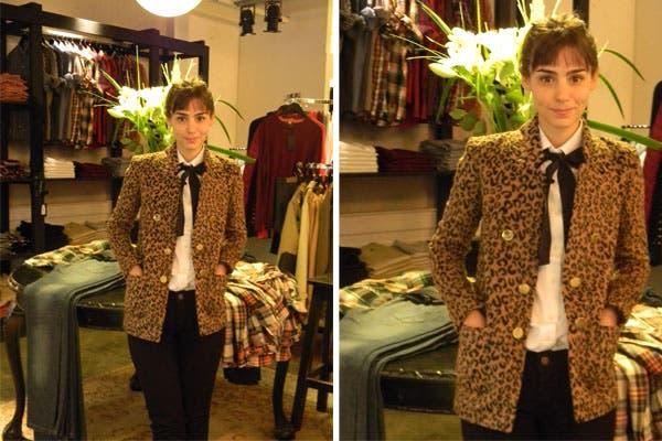 Paula Reca se probó de todo en La Femme Garçon. ¡Nos encanta el blazer de leopardo que eligió!. Foto: Socialité PR